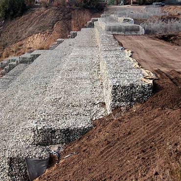 Укрепление береговой линии габионными конструкциями