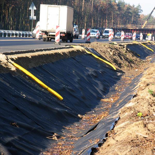 Применение геомембраны в дорожном строительстве