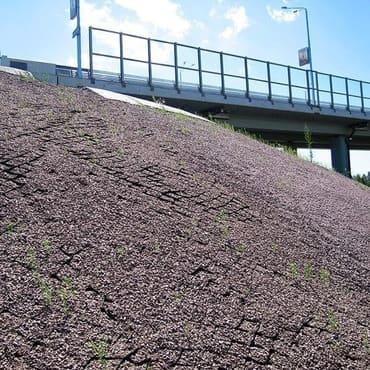 Укрепление откосов мостов георешеткой